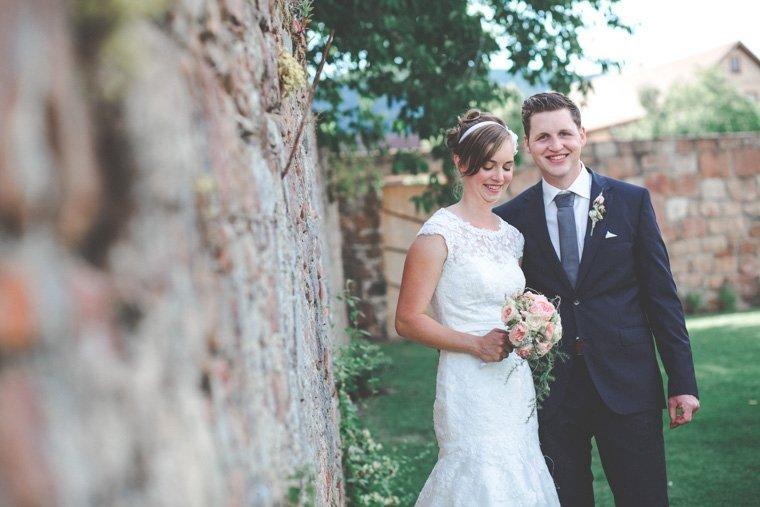 Hochzeitsfotos-Edenkoben-Klostergarten-AnnaJohannes-02
