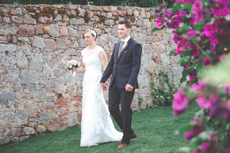 Hochzeitsfotos-Edenkoben-Klostergarten-AnnaJohannes-21