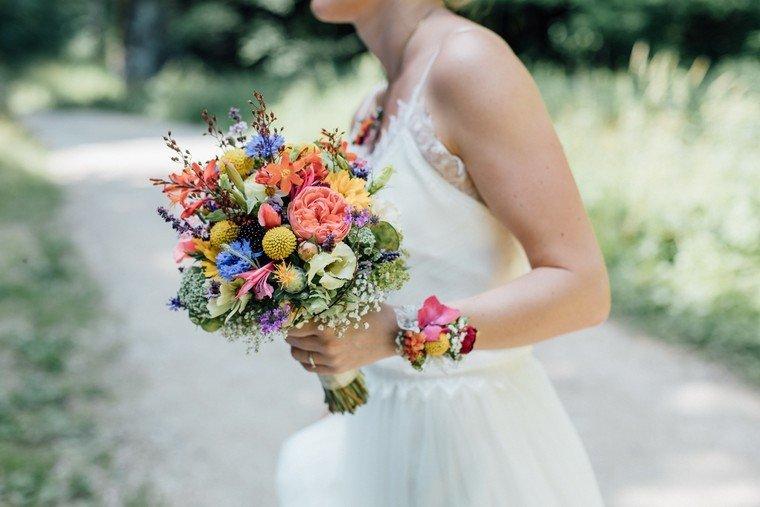 Hochzeitsfotos-Trauung-auf-Lichtung-Anna-Johannes-Hochzeitsfotografen-13