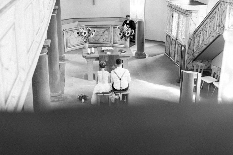 Hochzeitsfotograf-Pfalz-Karlsruhe-Hochzeitsfotos-Klingenmünster-Boechingen-16-evangelische-Trauung-Böchingen