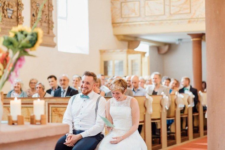 Hochzeitsfotograf-Pfalz-Karlsruhe-Hochzeitsfotos-Klingenmünster-Boechingen-17-evangelische-Kirche-Böchingen