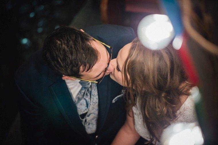 After-Wedding-Photoshooting-Braut-Karussell-Weihnachtsmarkt-AnnaJohannes-009