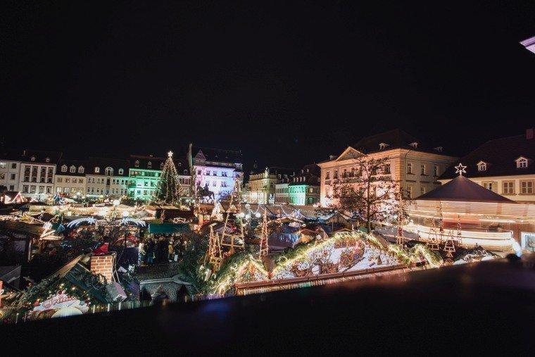 After-Wedding-Photoshooting-Braut-Karussell-Weihnachtsmarkt-AnnaJohannes-021