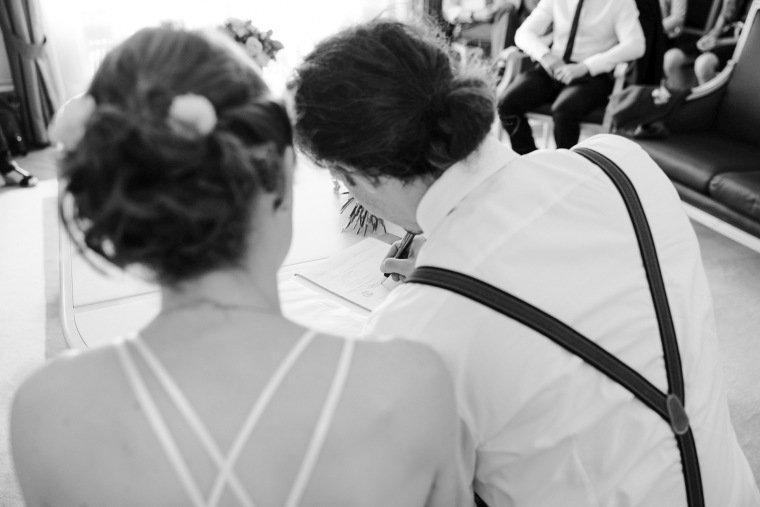 Hochzeitsfotos-Karlsruhe-Standesamt-Hochzeitsfotograf-AnnaJohannes-004-Haus-Solms