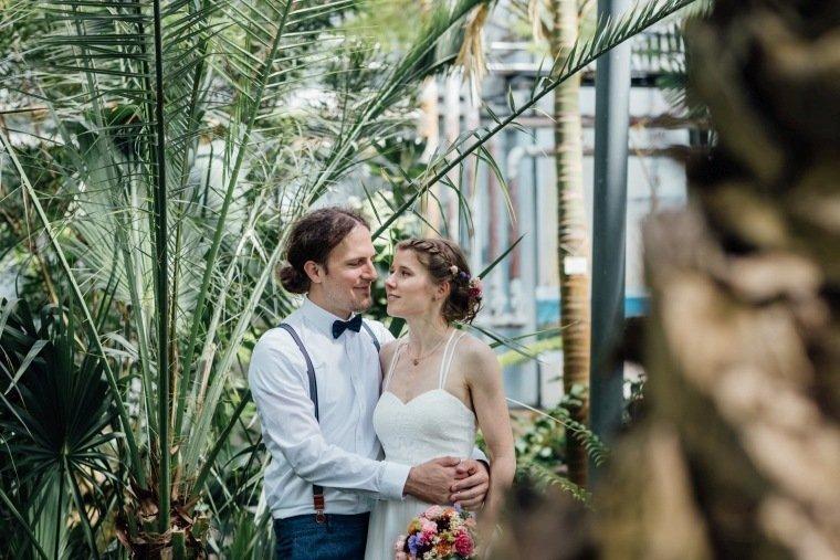 Hochzeitsfotos-Karlsruhe-Standesamt-Hochzeitsfotograf-AnnaJohannes-017-Botanischer-Garten-Paarfotos