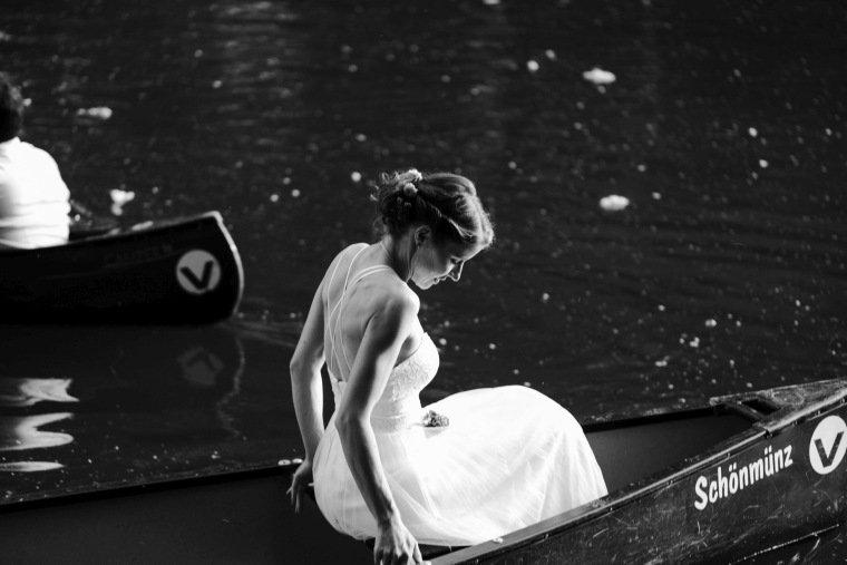Hochzeitsfotos-Karlsruhe-Standesamt-Hochzeitsfotograf-AnnaJohannes-041-Kanu-Rhein