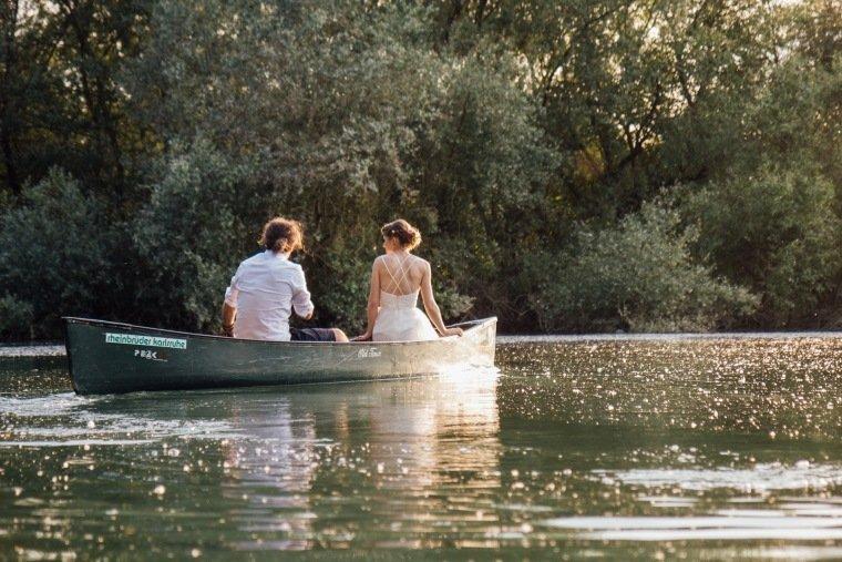 Hochzeitsfotos-Karlsruhe-Standesamt-Hochzeitsfotograf-AnnaJohannes-045-Kanu-Rhein