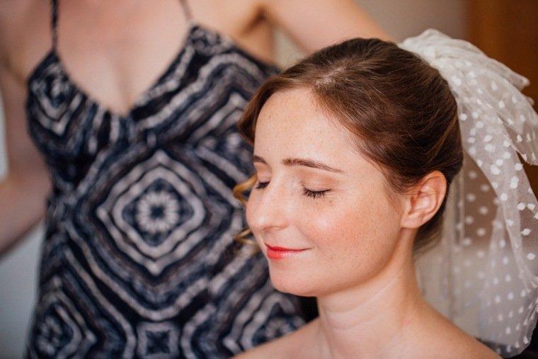 Hochzeitsfotos-Bad-Duerkheim-Hochzeitsreportage-Anna-und-Johannes-004-Braut-Getting-Ready