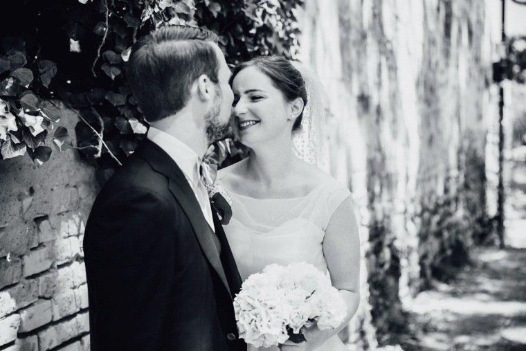 Hochzeitsfotos-Bad-Duerkheim-Hochzeitsreportage-Anna-und-Johannes-017-first-look