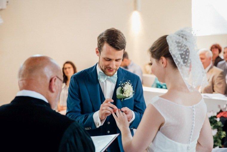 Hochzeitsfotos-Bad-Duerkheim-Hochzeitsreportage-Anna-und-Johannes-026-Sausenheim