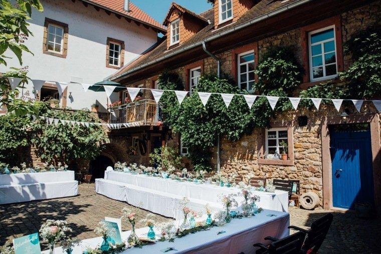 Hochzeitsfotos-Bad-Duerkheim-Hochzeitsreportage-Anna-und-Johannes-029-Felsenmuehle-Neuleiningen