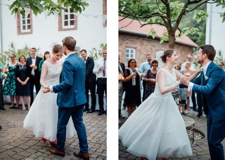 Hochzeitsfotos-Bad-Duerkheim-Hochzeitsreportage-Anna-und-Johannes-046-Felsenmuehle-Neuleiningen