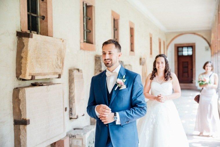 Hochzeitsfotos-Pfalzliebe-Hochzeitsreportage-Landau-Gordramstein-Anna-und-Johannes-005-first-look