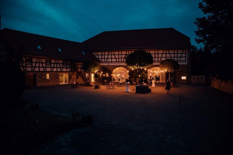 Hochzeitsfotograf-Anna-und-Johannes-Hochzeitsreportage-018-Hochzeit-Landgut-Schloss-Michelfeld