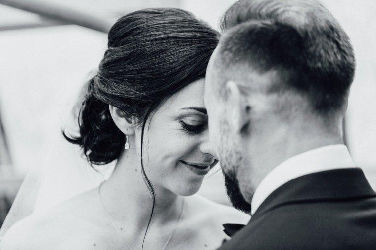 Hochzeitsfotos-Hochzeitsreportage-Stetten-003-Brautpaar