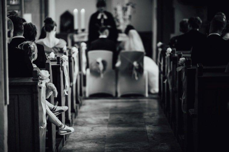 Hochzeitsfotos-Hochzeitsreportage-Stetten-008-Kirche-Maria-Magdalena-Duerrenzimmern