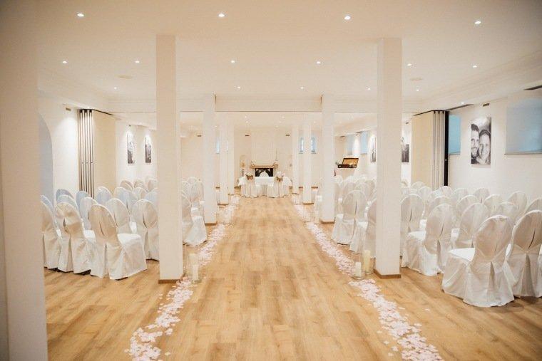 Hochzeitsfotos-Landgut-Schloss-Michelfeld-Hochzeitsreportage-Angelbachtal-004-Freie-Trauung-