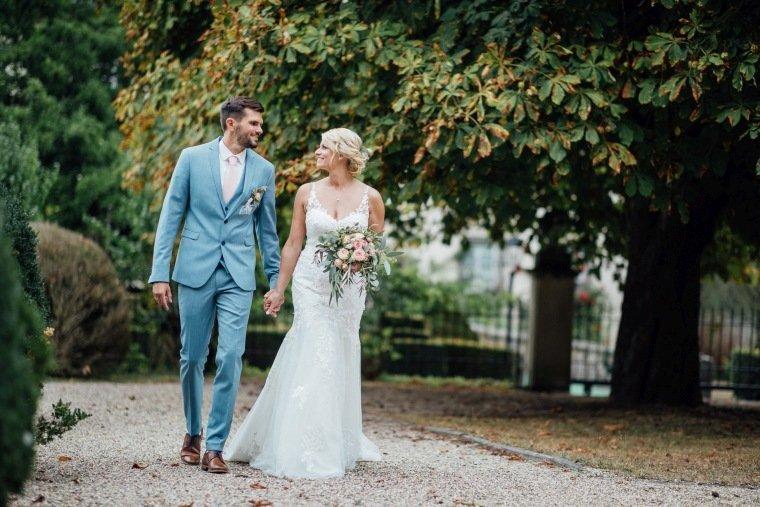 Hochzeitsfotos-Landgut-Schloss-Michelfeld-Hochzeitsreportage-Angelbachtal-019-Brautpaar-Park-Foto-vintage