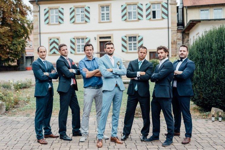 Hochzeitsfotos-Landgut-Schloss-Michelfeld-Hochzeitsreportage-Angelbachtal-022-Best-Men