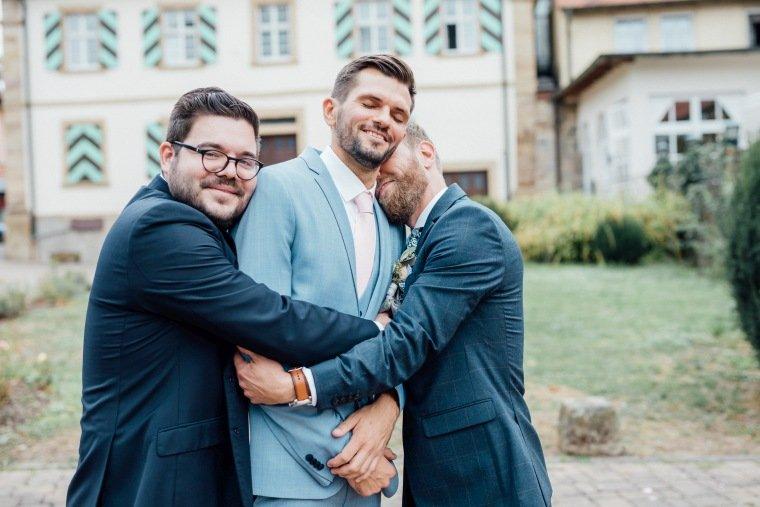 Hochzeitsfotos-Landgut-Schloss-Michelfeld-Hochzeitsreportage-Angelbachtal-023-Best-Friends