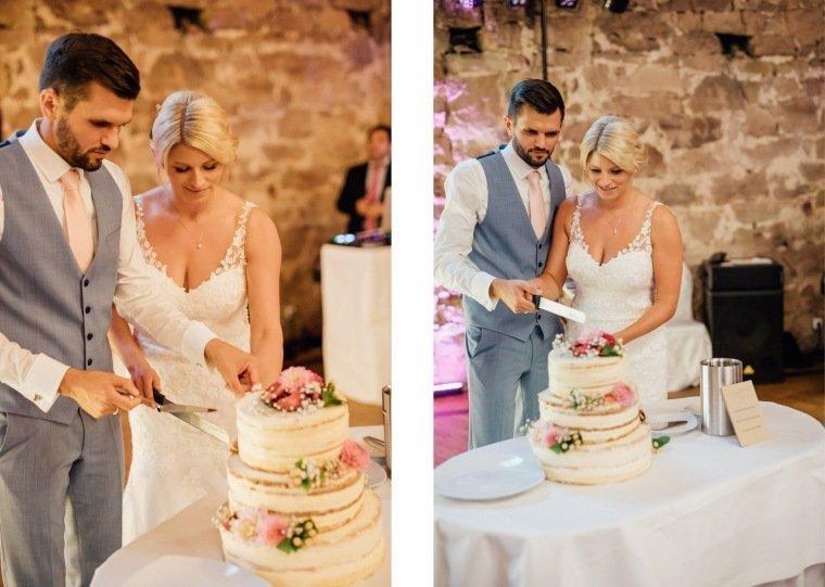 Hochzeitsfotos-Landgut-Schloss-Michelfeld-Hochzeitsreportage-Angelbachtal-037-Hochzeitstorte-Tortenanschnitt-half-naked-cake