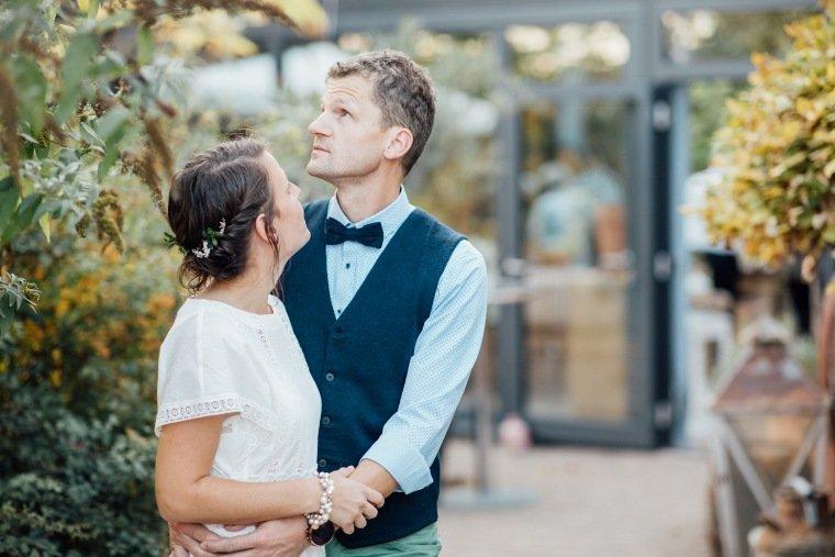 Hochzeitsfotos-Odenwald-Hochzeitsreportage-045-Brautpaar-Heustadel-Trienz-Fahrenbach