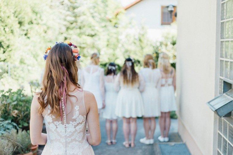 festival-wedding-Gartenhochzeit-Heilbronn-002-Braut-Brautkleid-Brautjungfern