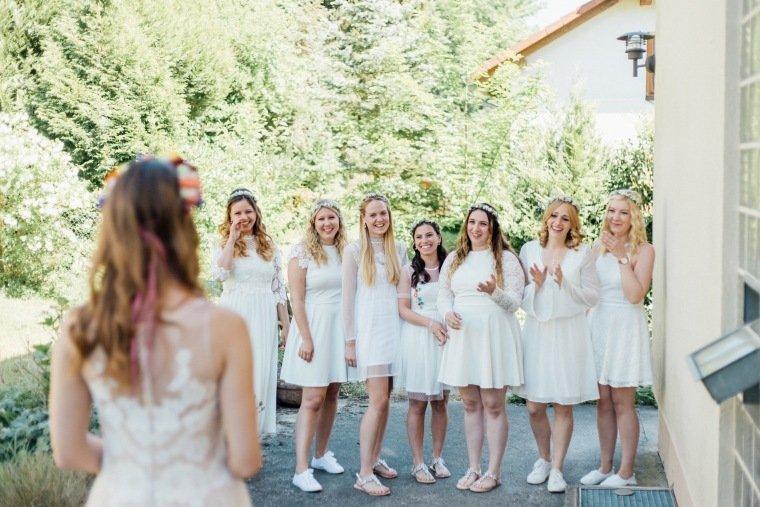 festival-wedding-Gartenhochzeit-Heilbronn-003-Braut-Brautkleid-Bridesmaids-Brautjungfern