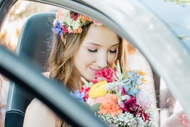 festival-wedding-Gartenhochzeit-Heilbronn-006-Brautstrauss-Flowercrown-Brautmakeup
