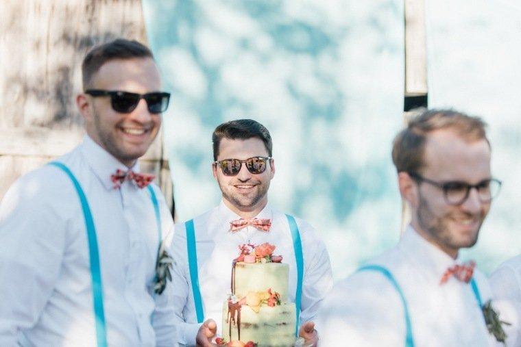 festival-wedding-Gartenhochzeit-Heilbronn-038-crew-hosentraeger-sommer