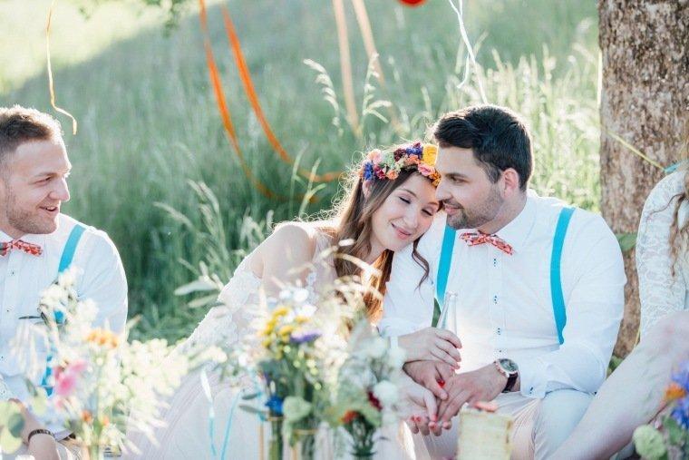 festival-wedding-Gartenhochzeit-Heilbronn-042-Brautpaar-Sommerhochzeit-Boho