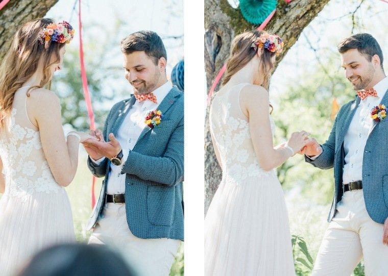 festival-wedding-Gartenhochzeit-Heilbronn-055-Ringwechsel-Anstecker-Flowercrown-rosa-Brautkleid-Flowercrown