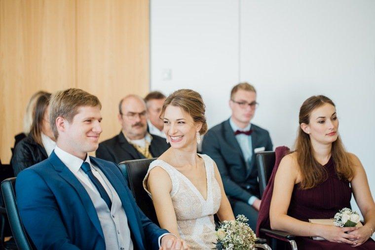 Hochzeitsfotos-Heilbronn-Hochzeitsreportage-028-Herbsthochzeit-Standesamt