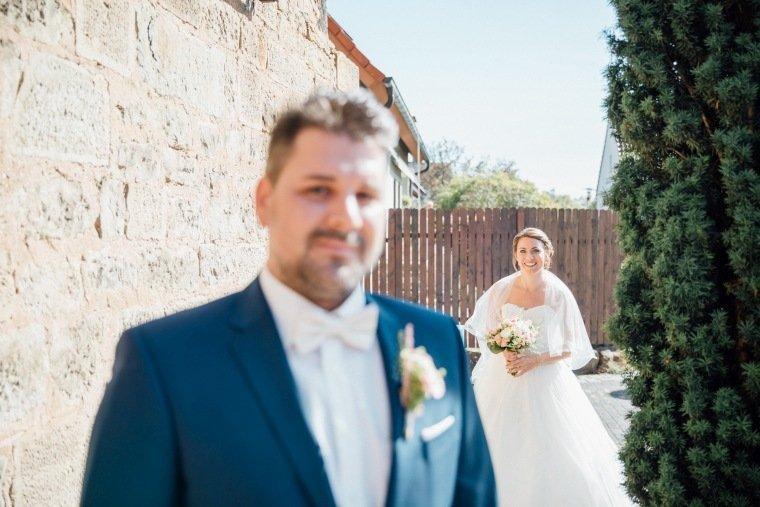 Hochzeitsfotos-Hochzeitsreportage-011-Brautpaar-first-look