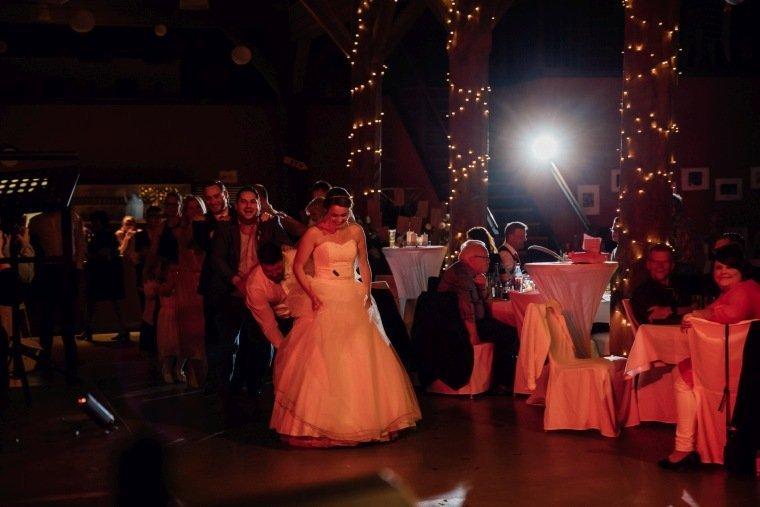 Hochzeitsfotos-Hochzeitsreportage-054-Hochzeitstanz