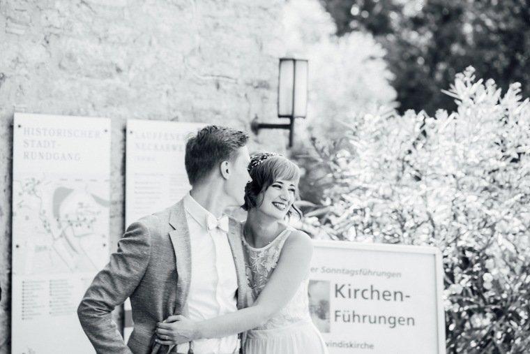 Hochzeitsfotos-Ludwigsburg-Hochzeitsreportage-011-Standesamt-Lauffen-Trauung-Brautpaar-glueck