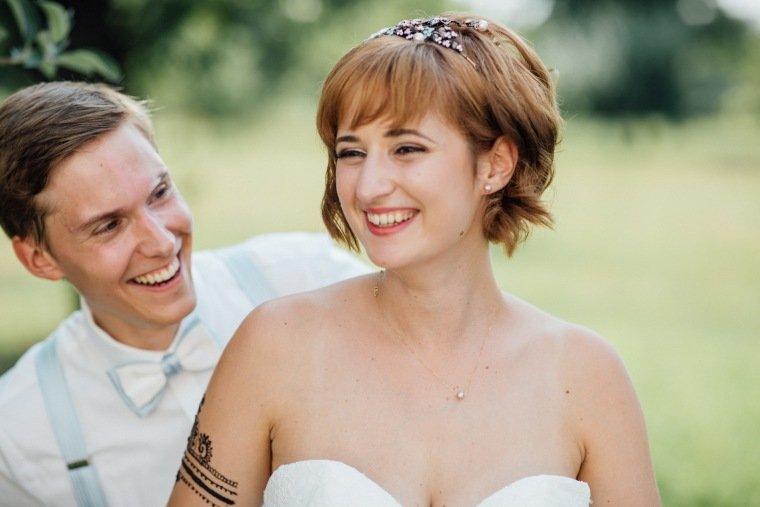 Hochzeitsfotos-Ludwigsburg-Hochzeitsreportage-042-Freie-Trauung-Villa-Forsthof-Brautpaarshooting