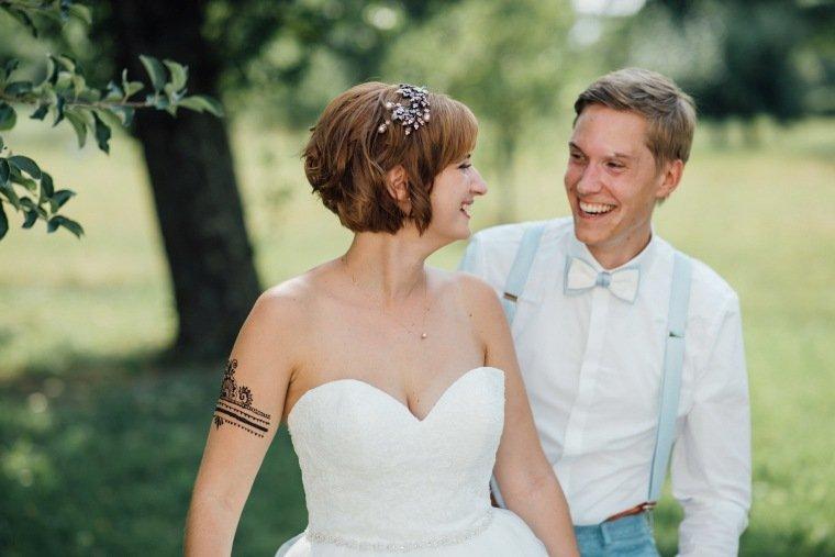 Hochzeitsfotos-Ludwigsburg-Hochzeitsreportage-044-Freie-Trauung-Villa-Forsthof-Brautpaarshooting-Fotos
