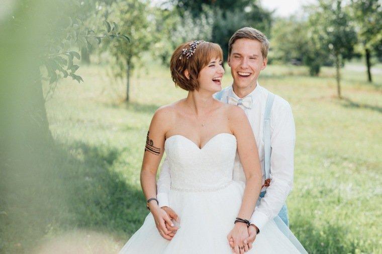 Hochzeitsfotos-Ludwigsburg-Hochzeitsreportage-046-Freie-Trauung-Villa-Forsthof-Brautpaarshooting