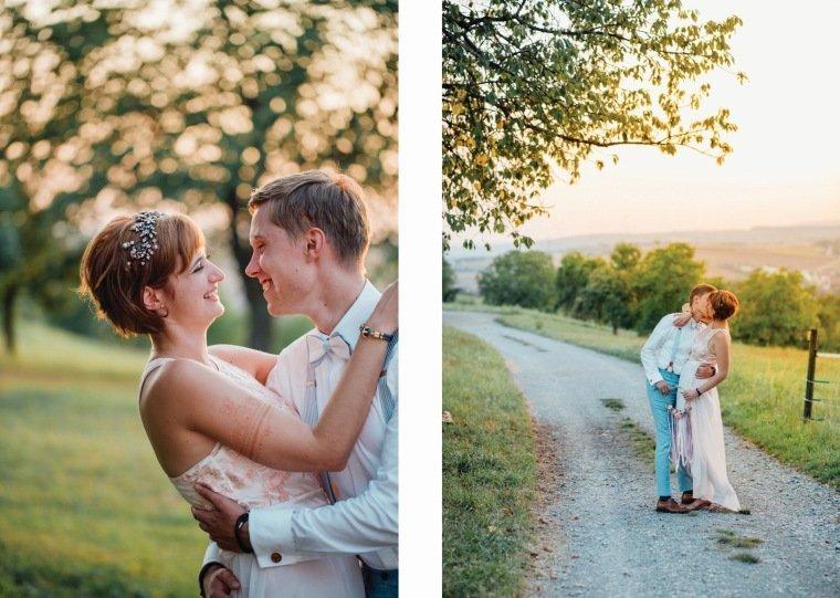 Hochzeitsfotos-Ludwigsburg-Hochzeitsreportage-068-Villa-Forsthof-Brautpaar-Abendsonne-Paarshooting
