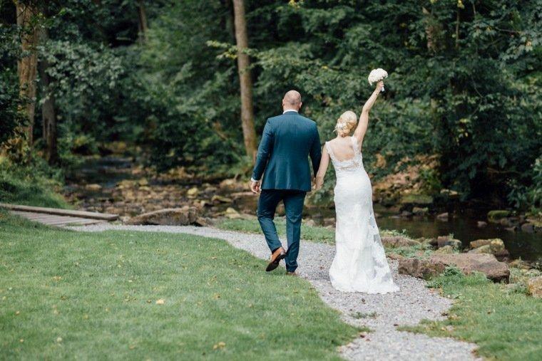 Hochzeitsfotos-Odenwald-Hochzeitsreportage-041-Haidersbacher-Muehle-Brautpaar