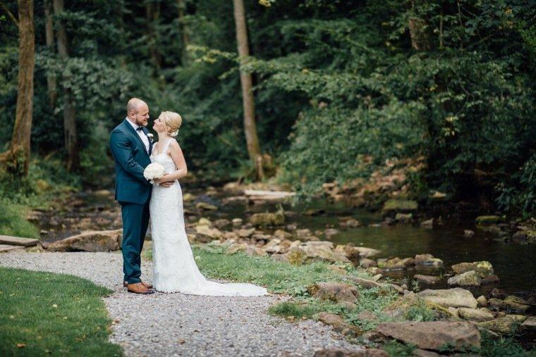 Hochzeitsfotos-Odenwald-Hochzeitsreportage-042-Brautpaar-Shooting-Haidersbacher-Muehle