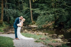 Hochzeitsfotos-Odenwald-Hochzeitsreportage-043-Brautpaar-Shooting-Haidersbacher-Muehle