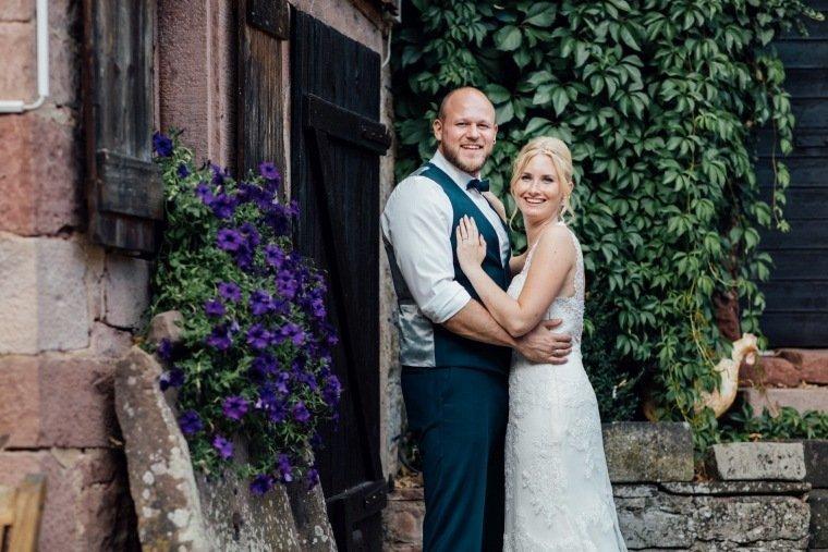 Hochzeitsfotos-Odenwald-Hochzeitsreportage-052-Haidersbacher-Muehle-Brautpaar