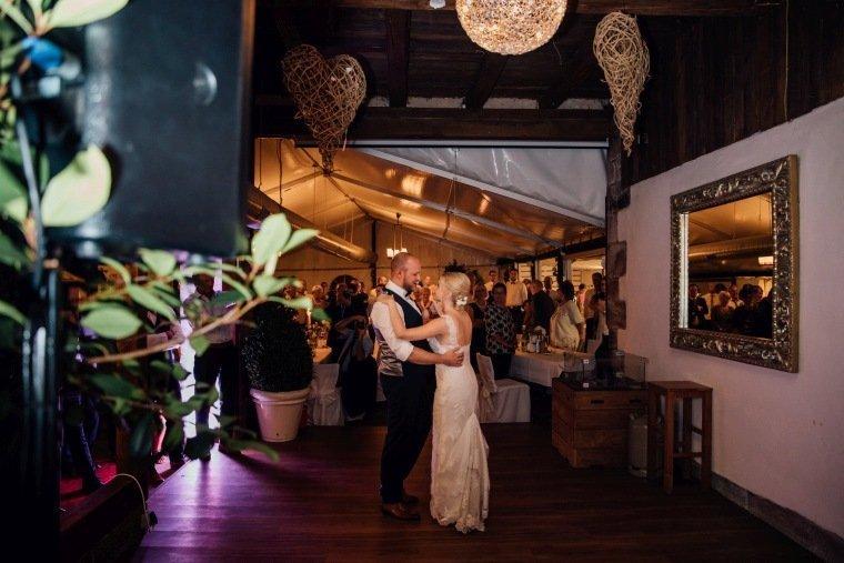 Hochzeitsfotos-Odenwald-Hochzeitsreportage-061-Hochzeitstanz