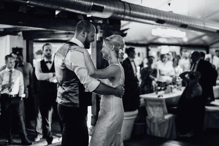 Hochzeitsfotos-Odenwald-Hochzeitsreportage-062-Hochzeitstanz