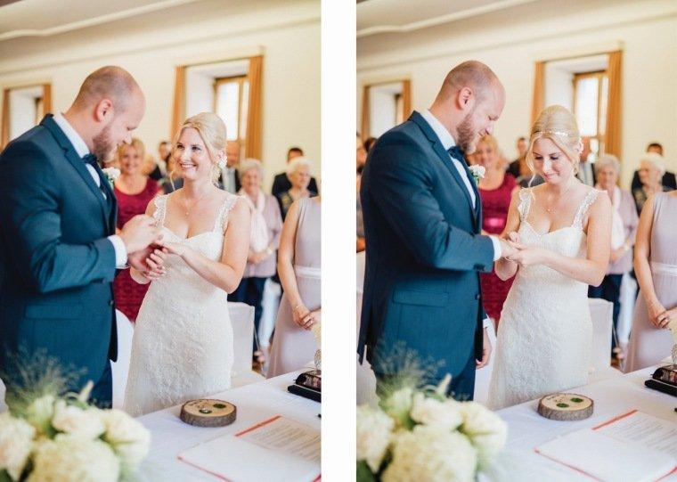 Hochzeitsfotos-Odenwald-Hochzeitsreportage-065-Brautpaar-Ringtausch-Standesamt