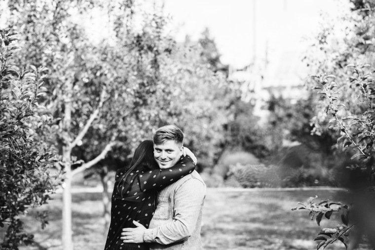Paarfotos-Verlobung-Engangement-Shooting-Heilbronn-Botanischer-Garten-013-Hochzeitsantrag