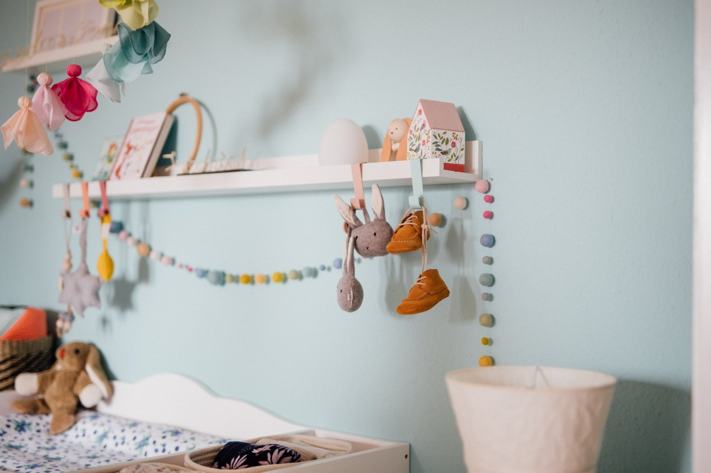 Babybauchfotos-Schwangerschaft-Paarfotos-Homeshooting-Pfalz-Landau-Karlsruhe-Kinderzimmer