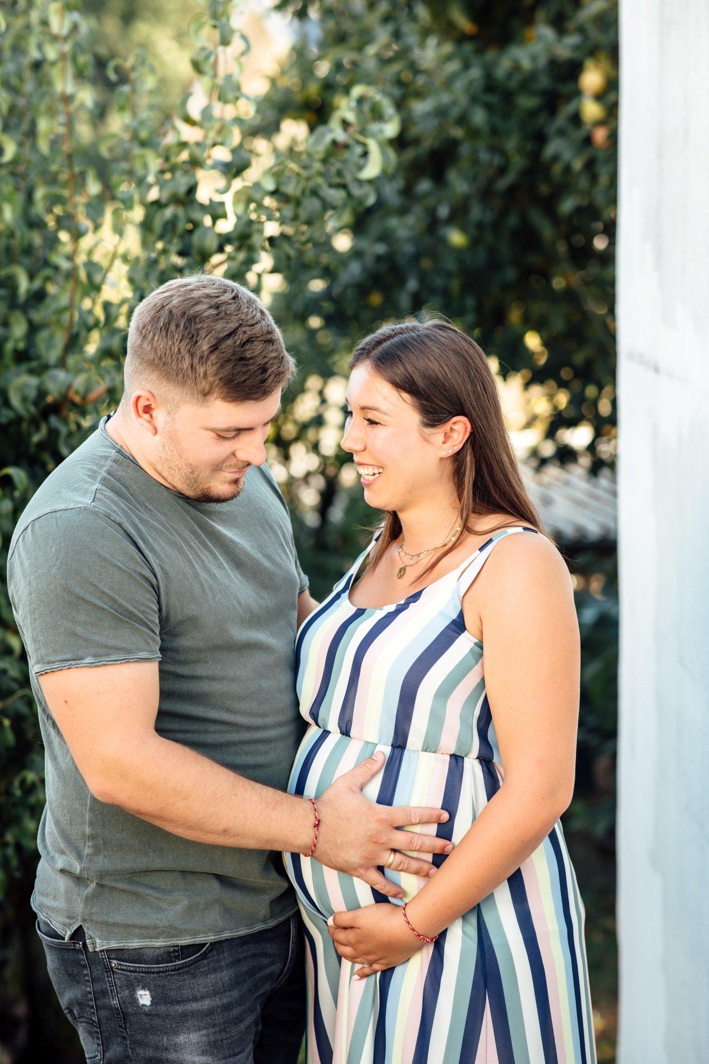 Babybauchfotos-Schwangerschaft-Paarfotos-Homeshooting-Speyer-Landau-Karlsruhe-Babyfotos